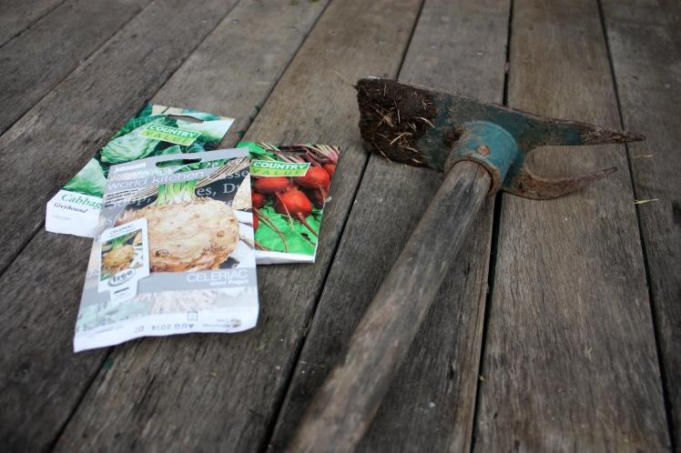 Seed Planting | brownpaperbelle.com