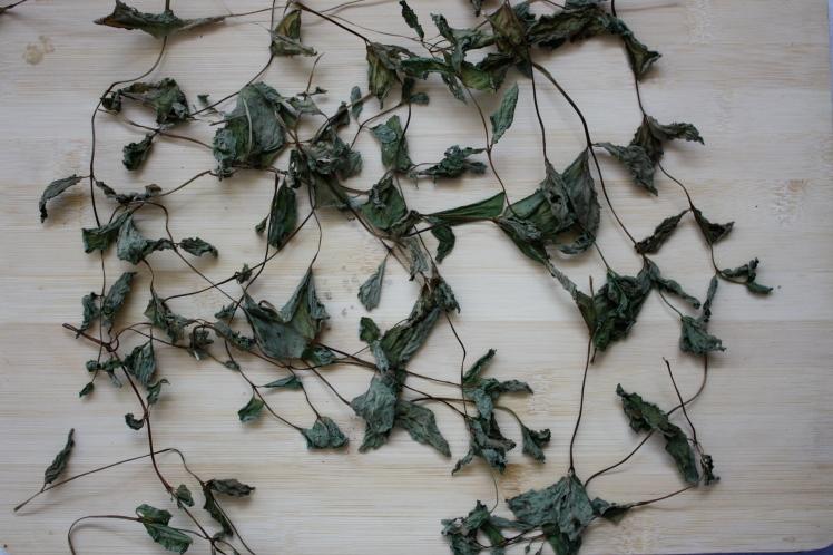Dried Mint Leaves | brownpaperbelle.com