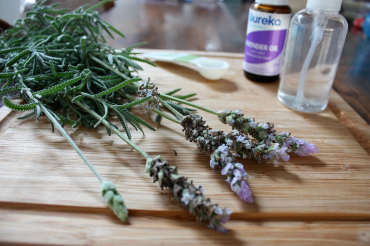 Lavender Linen Spray | brownpaperbelle.com
