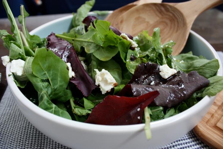 Mixed Leaf Orange Fennel Feta Salad | brownpaperbelle.com