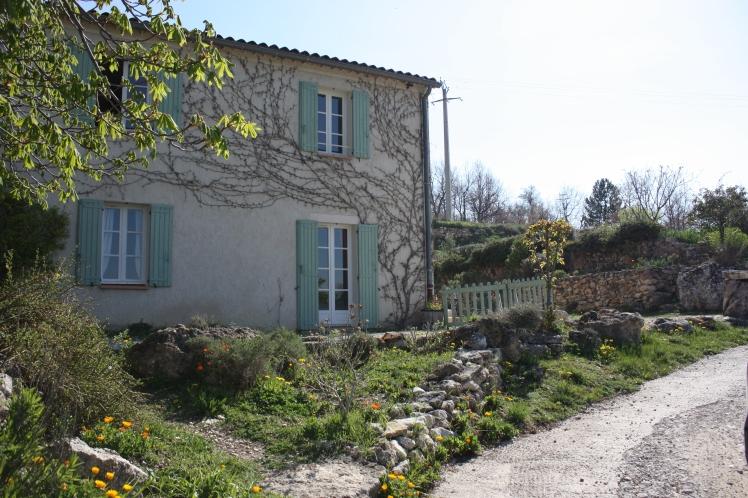 Moustiers Sainte Marie, Provence | brownpaperbelle.com