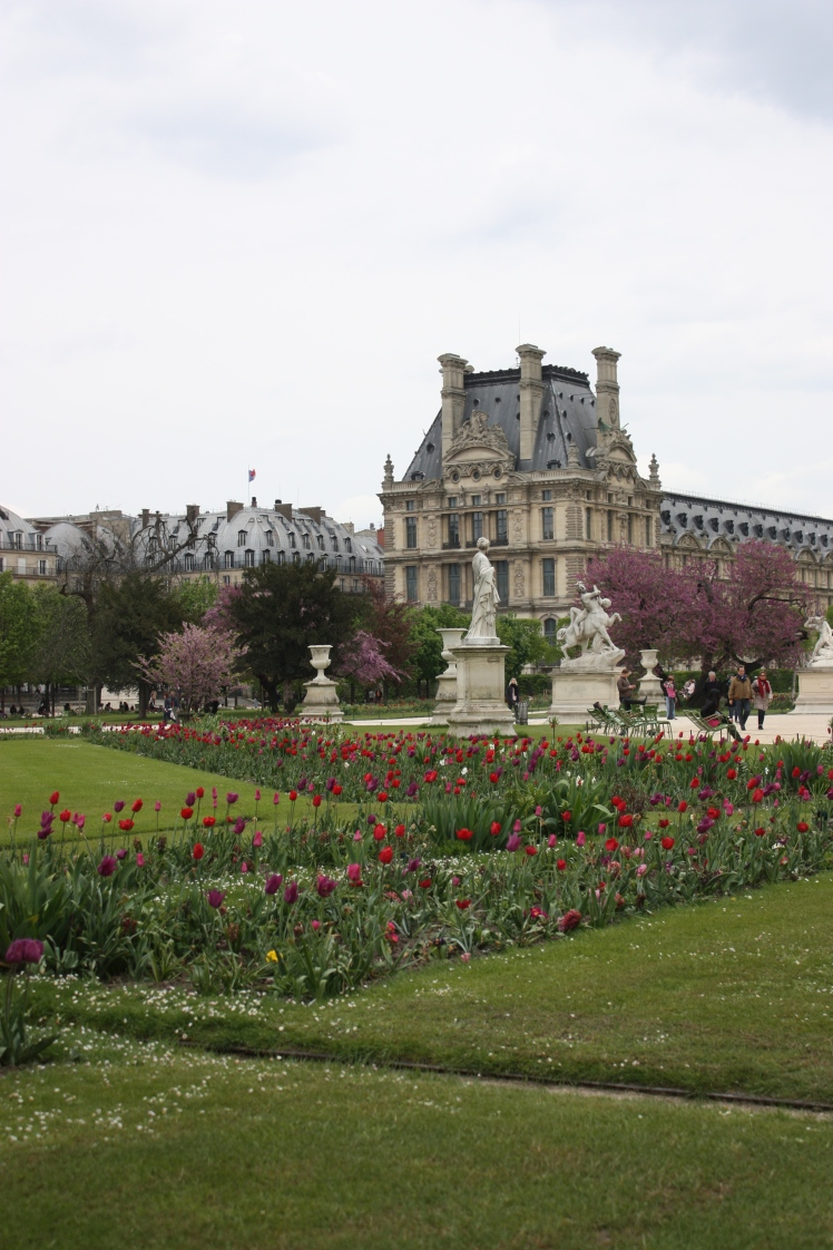 Paris Spring Flowers | brownpaperbelle.com