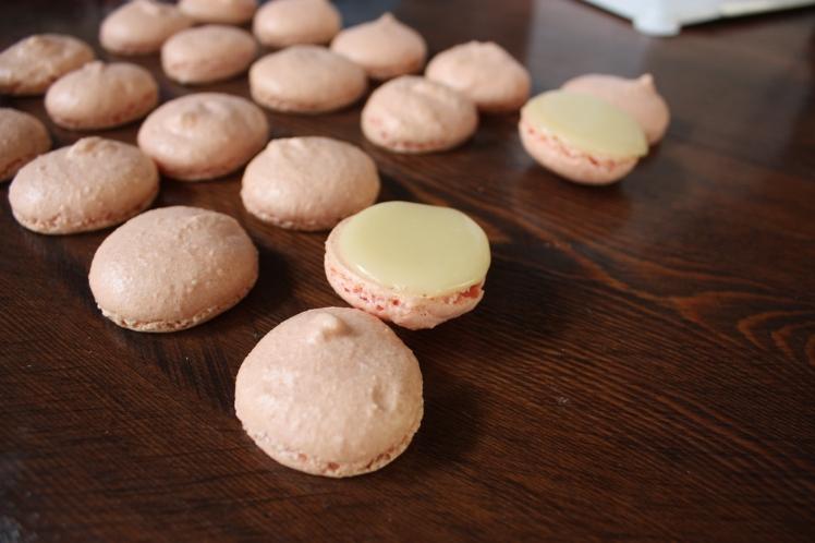 Macarons | brownpaperbelle.com