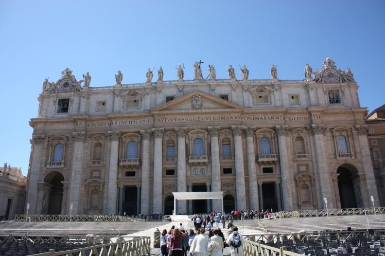 St Peter's Basilica, Rome | brownpaperbelle.com