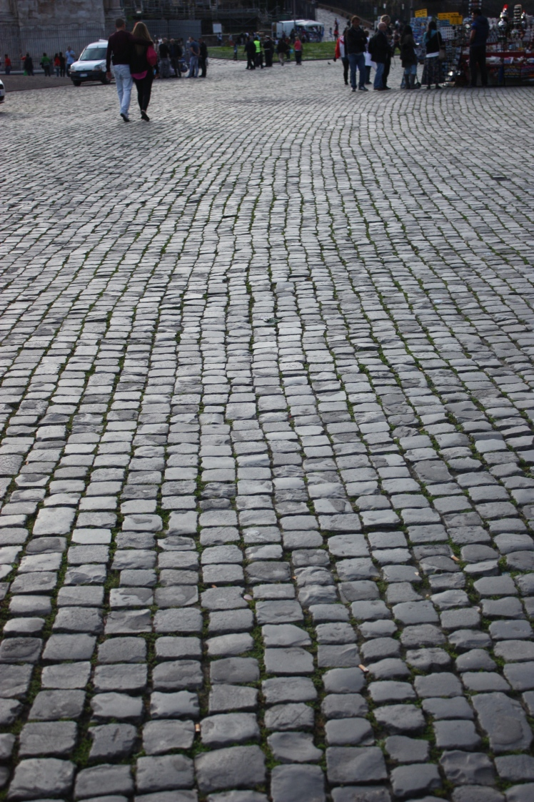 Rome Cobble Stone Streets | brownpaperbelle.com