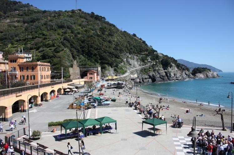 Monterosso al Mare | brownpaperbelle.com