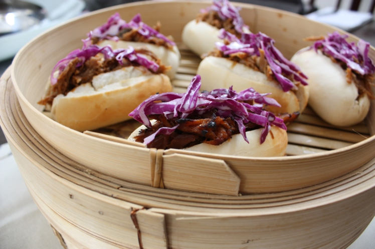Pulled Pork Buns with Caramelised Onion and Coleslaw | brownpaperbelle.com