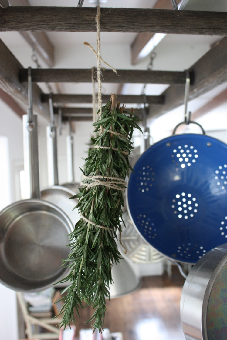 Air Drying Rosemary | brownpaperbelle.com