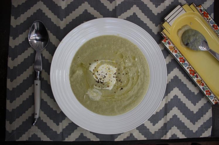 Spiced Cauliflower, Leek & Potato Soup | brownpaperbelle.com