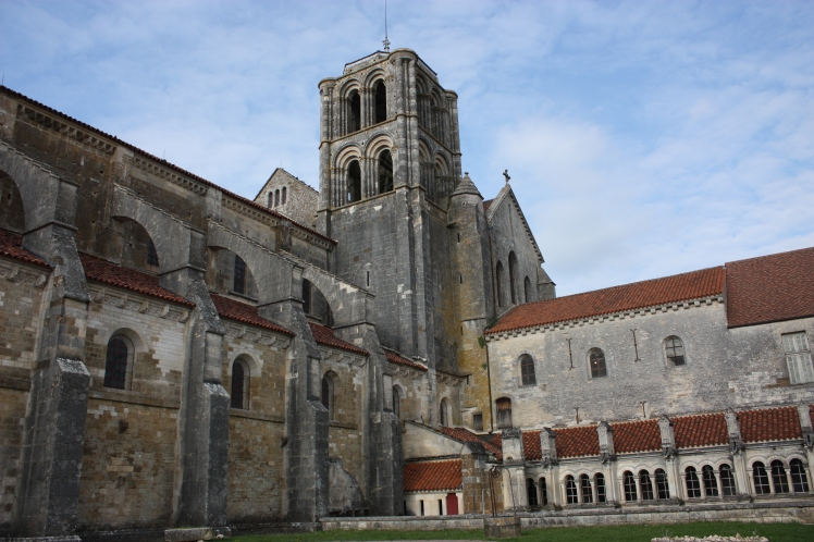 Vézelay, France | brownpaperbelle.com