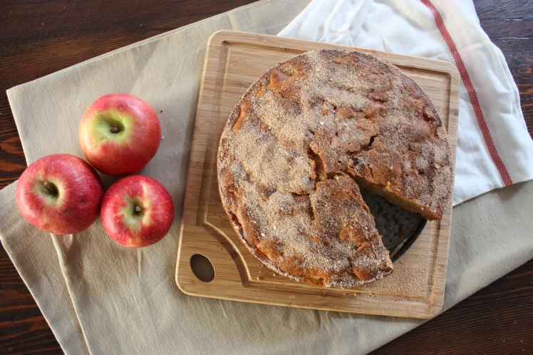 Apple & Cinnamon Tea Cake | brownpaperbelle.com