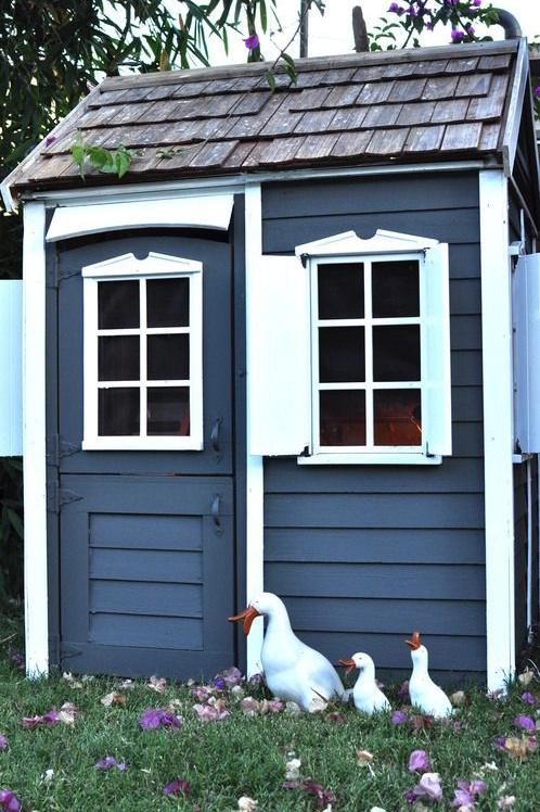 Chicken Coop | brownpaperbelle.com