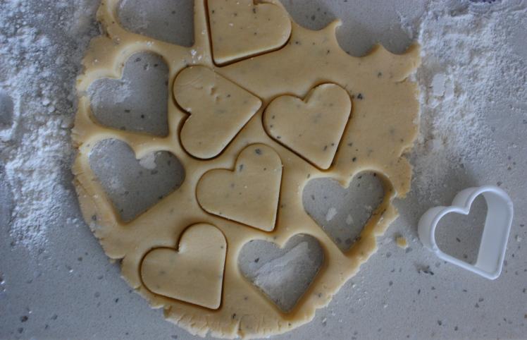 Lavender Shortbread Biscuits | brownpaperbelle.com