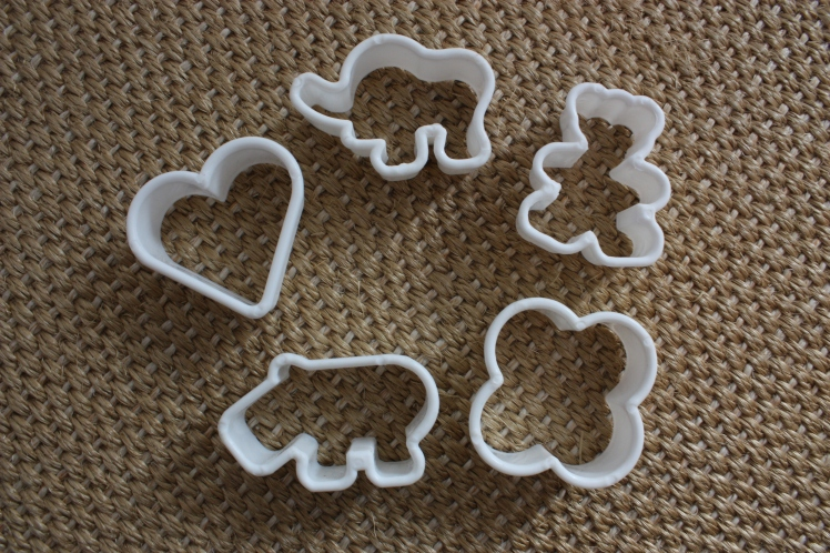 Sweet Cookie Cutters | brownpaperbelle.com
