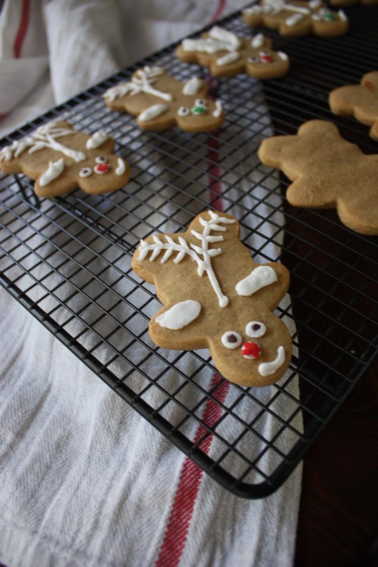 Gingerbread Reindeer   brownpaperbelle.com